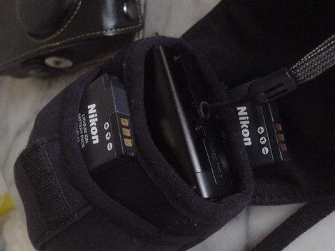 ニコンP300汎用ケース(Amazonベーシック デジタルカメラ用ケース ブラック)