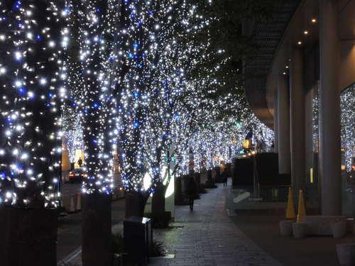 六本木ヒルズ けやき坂イルミネーション2012をニコンP310で撮影